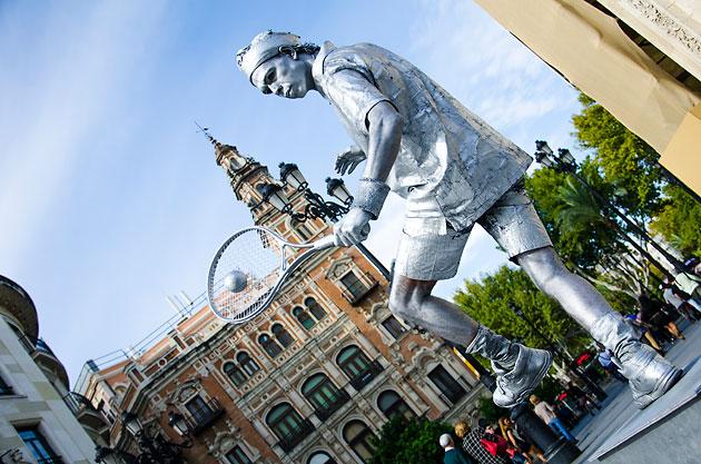Sevilla - Tenista estatua humana